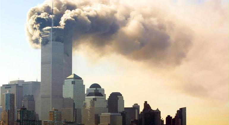 A Torre Norte do WTC queimou durante quase 2 horas antes de desabar