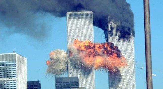 No 11 de Setembro, Larry estava no 25º piso da Torre Norte do World Trade Center