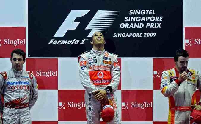 11 - Em Singapura, Lewis Hamilton conquistou mais uma vitória em 2009, com Timo Glock e Fernando Alonso completando o pódio