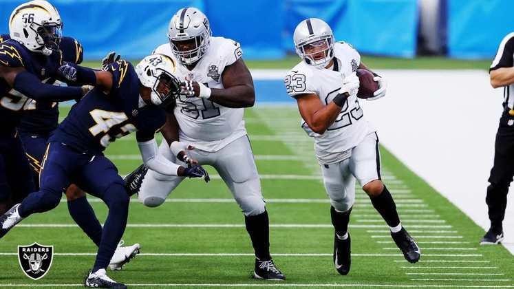 11º Las Vegas Raiders - Pela primeira vez no ano, os Raiders venceram duas seguidas. Time começa a pegar confiança.