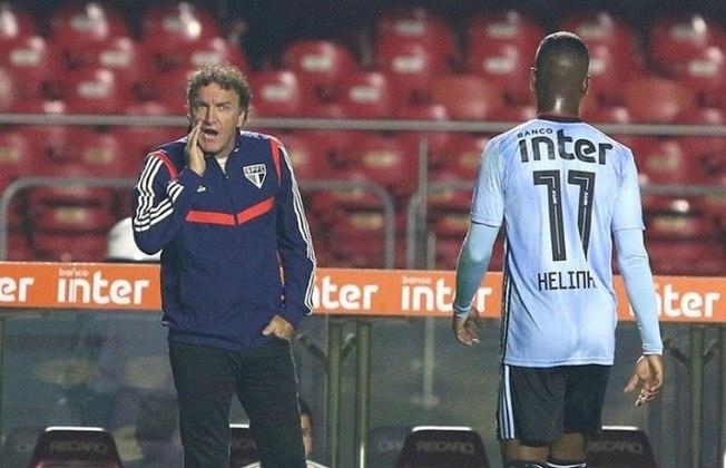 11º) São Paulo - O Tricolor trocou de treinador por 25 vezes neste século, somando 20 treinadores diferentes no comando da equipe.