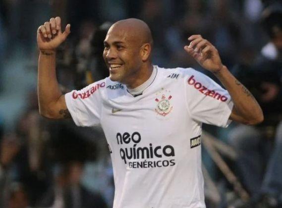 11º - Souza - 77 gols