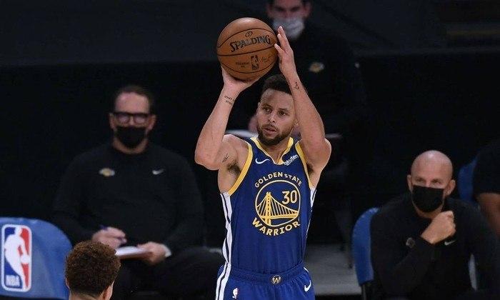 11º - Stephen Curry (Basquete): receita em 2020 - 74,5 milhões de dólares (aproximadamente R$ 381,65 milhões)