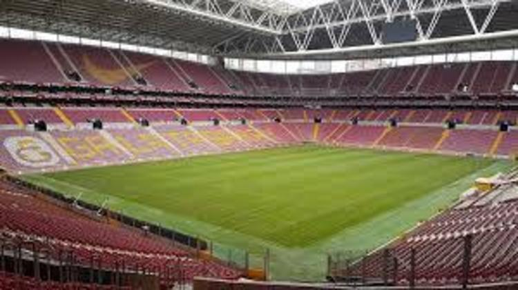 11 - Türk Stadyumu - Galatasaray (Turquia)
