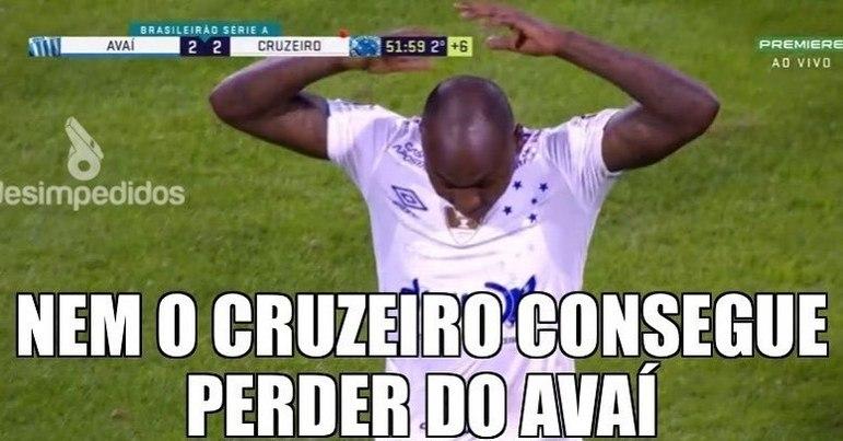 11.08.19 - Rogério Ceni foi anunciado como novo treinador do Cruzeiro. No mesmo dia, o time empatou com o lanterna Avaí e chegou a 9 partidas seguidas sem vitórias.