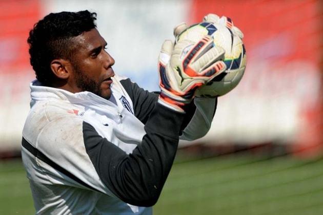 12. Aranha: Deixou o Santos em 2015, rumo ao Palmeiras. No ano seguinte, transferiu-se ao Joinville, posteriormente Ponte Preta e Avaí, onde encerou a carreira, em 2018.