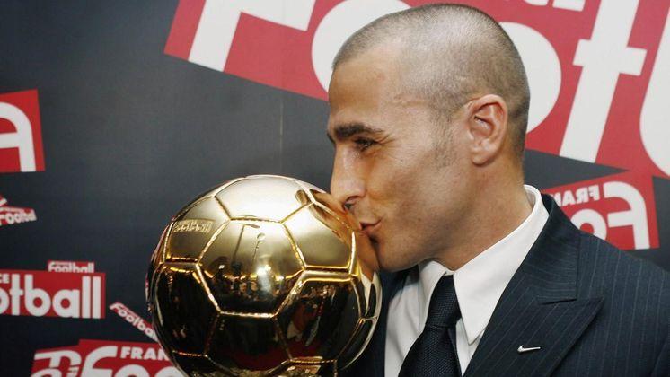 12 – Cannavaro: hoje técnico, atuava como zagueiro e foi o Melhor do Mundo pela Fifa em 2006, ano em que foi capitão da Itália na conquista da Copa do Mundo, além dos títulos por Parma e Real Madrid