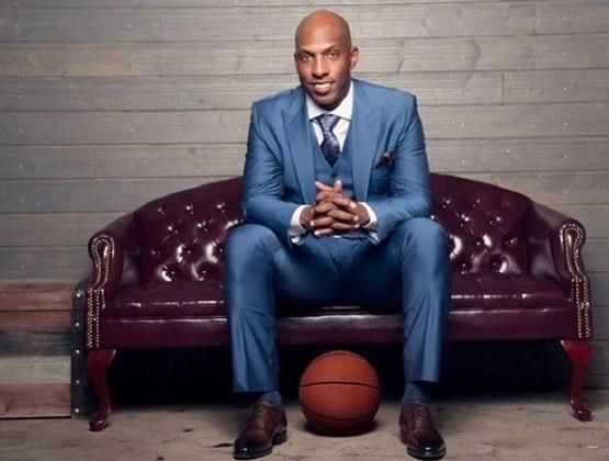 """12 – CHAUNCEY BILLUPS – Um dos jogadores que melhor definiu o conceito de """"3&D"""" (especialista defensivo e arremessador de três pontos), Billups foi muito decisivo nos tiros de longa distância, o que rendeu a ele o apelido de """"Mr. Big Shot"""". O ex-armador campeão com o Detroit Pistons em 2004 registrou médias de 42% de aproveitamento ao longo de sua carreira"""