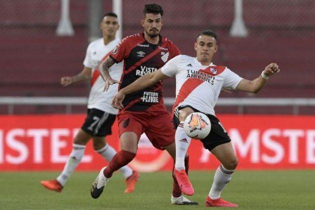 12º colocado – Athletico-PR (28 pontos) – 23 jogos / 0,029% de chances de título; 4,8% para vaga na Libertadores (G6); 14,4% de chance de rebaixamento.