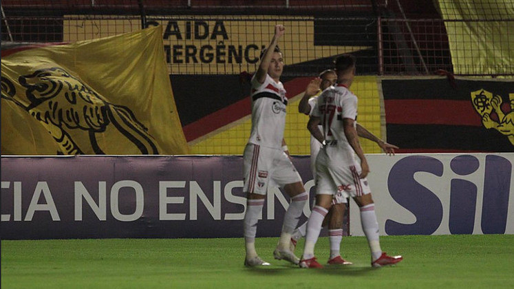 12º colocado - SÃO PAULO (21 pontos) - 17 jogos - Título: 0,21% - G6: 16,1% - Rebaixamento: 10,8%