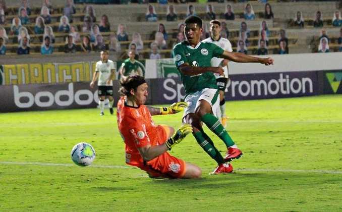 12º - Com três pontos somados, Vinícius Lopes (21 anos), do Goiás, foi lembrado. Ele tem 14 jogos com a camisa esmeraldina, todos como titular, e cinco gols feitos, com uma assistência dada.