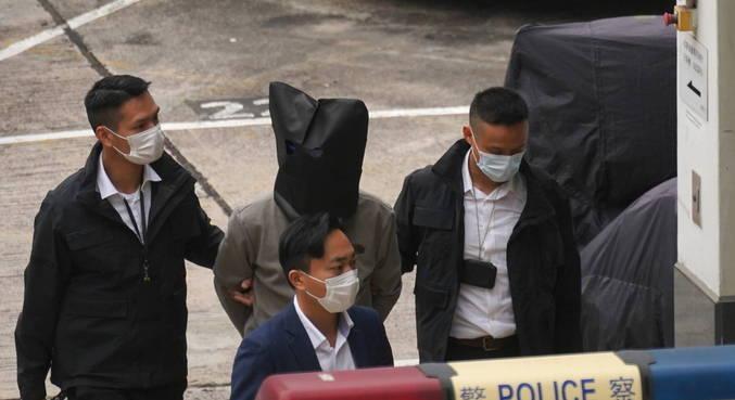 Grupo chamado 12 de Hong Kong fugiu de região em uma embarcação