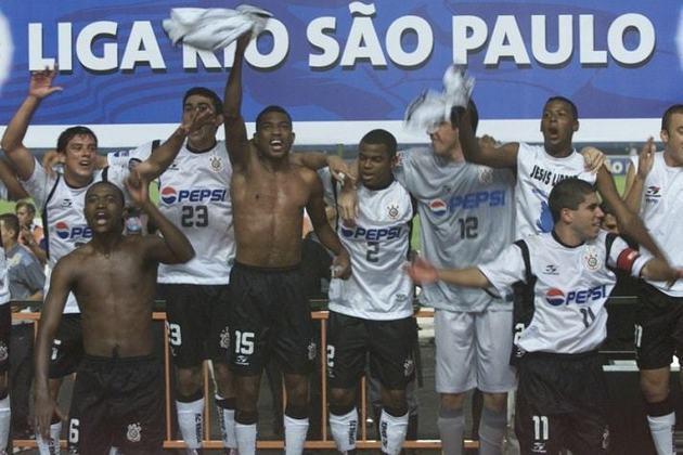 12 de maio de 2002 - Corinthians conquista o Torneio Rio-São Paulo de 2002 ao bater o São Paulo na decisão.