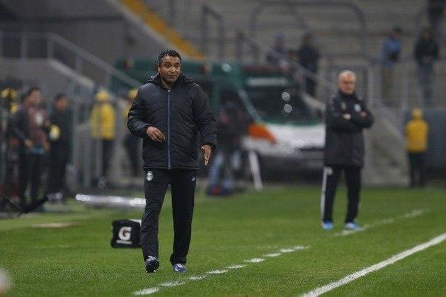 12º) Grêmio - A equipe gaúcha trocou de treinador 23 vezes no século, totalizando 20 técnicos diferentes.