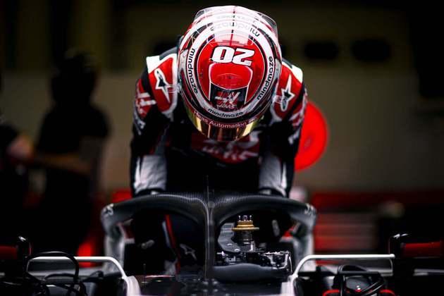 12) Kevin Magnussen (Haas) - € 2 milhões (R$ 12,9 milhões)