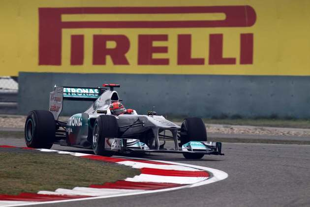 12º) O calvário de Michael Schumacher no retorno à Fórmula 1 continuou no GP da Turquia de 2011. O alemão abandonaria a carreira no fim de 2012