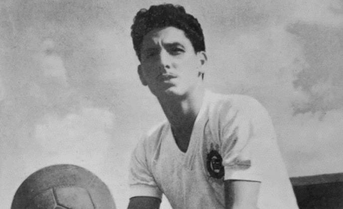 12) Rafael Chiarella - meia-atacante - uma passagem: 1953 a 1963 - 451 jogos