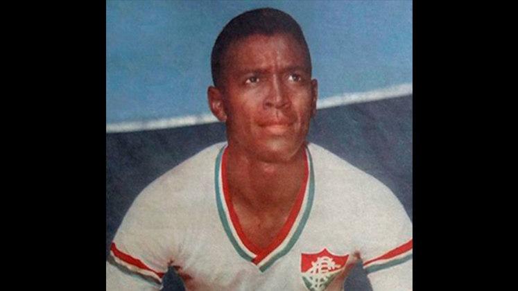 13 - Clóvis (1955 - 1962) - 390 jogos com a camisa do Fluminense.
