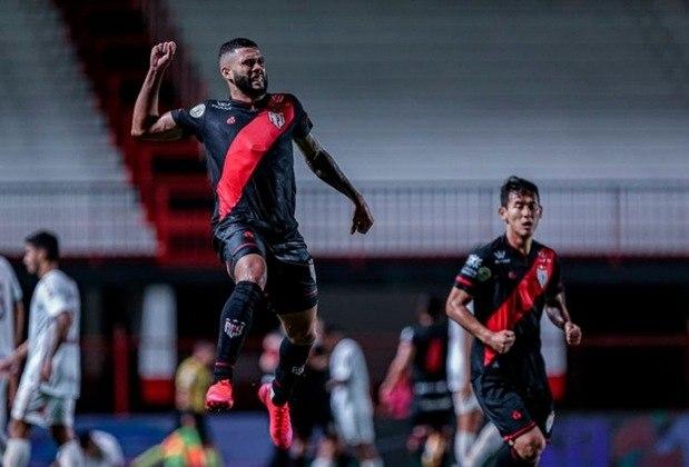 13º colocado – Atlético-GO (36 pontos/30 jogos): 0% de chances de ser campeão; 0.026% de chances de Libertadores (G6); 2.3% de chances de rebaixamento.