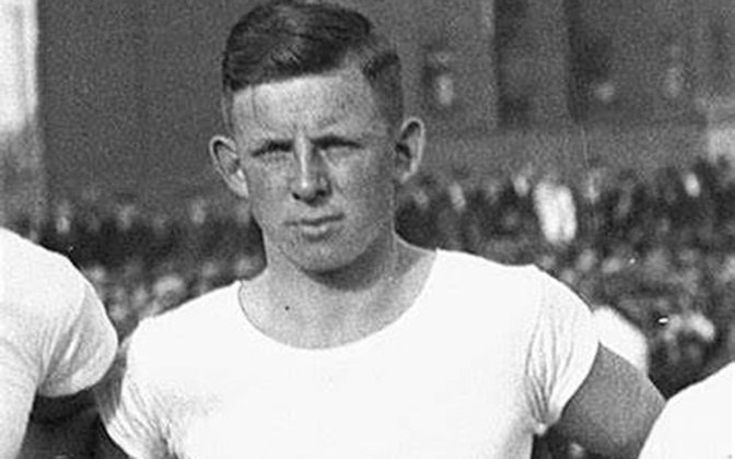 13º - Ernst Willimowski – polonês - 554 gols - principal clube: Ruch Wielkie Hajduki-POL