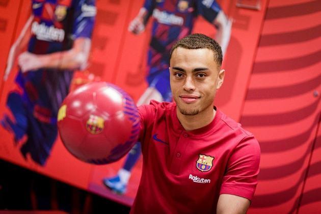 13º lugar: Sergiño Dest (lateral-direito norte-americano - 20 anos - Barcelona) - 3 pontos na votação