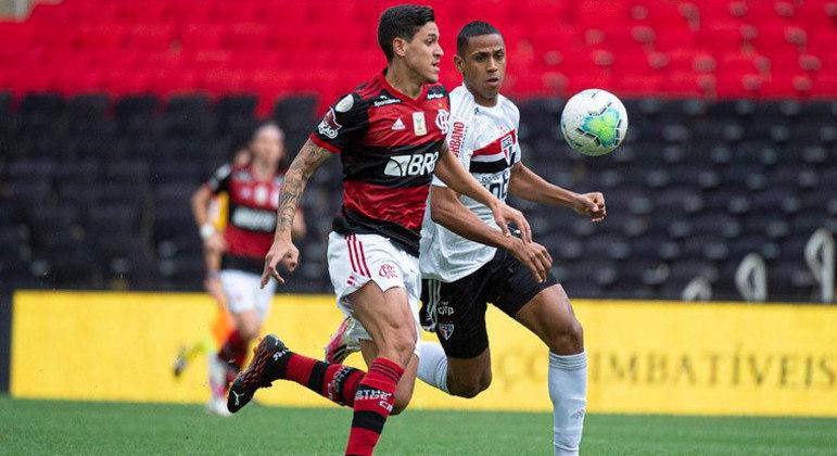 Futebol deverá ocupar novo horário na grade da Globo em 2022