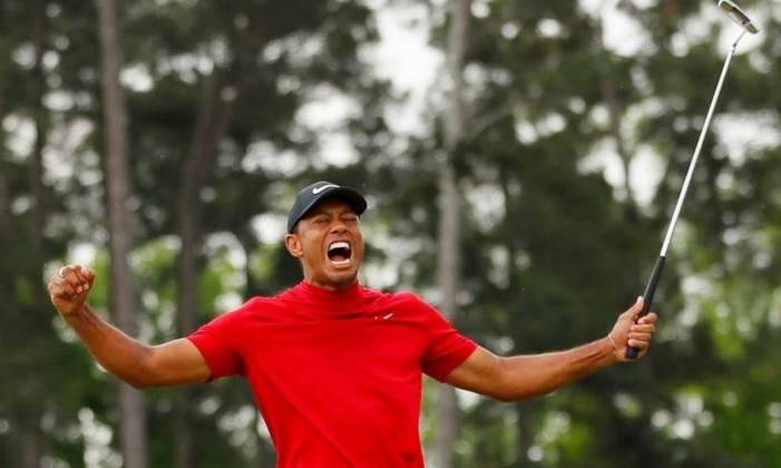 13º - Tiger Woods (Golfe): receita em 2020 - 60 milhões de dólares (aproximadamente R$ 307,37 milhões)