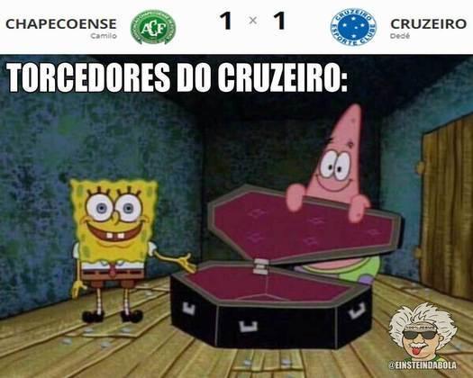 13.10.19 - No empate por 1 a 1 com a Chapecoense, o Cruzeiro completa 9 jogos seguidos sem vitória, sendo 8 no Brasileirão.