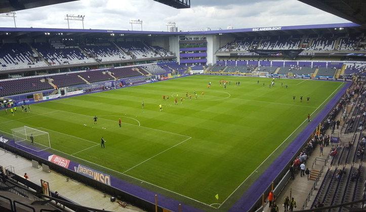14 - Anderlecht (BEL) Jogos:200/ Vitórias:70/ Empates:44/ Derrotas:86/ GM:282/ GS:320/ Título: 0