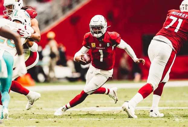14º Arizona Cardinals - Uma equipe muito jovem que ainda precisa aprender a vencer. Somente o tempo trará a experiência necessária.