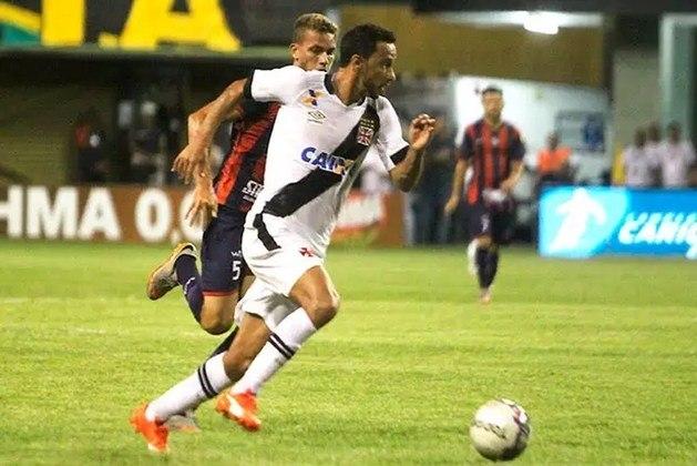 14º - Bonsucesso 1x3 Vasco - Carioca 2016 - Com velocidade, o meia ficou na cara do gol e só teve o trabalho de tirar do goleiro e correr para o abraço