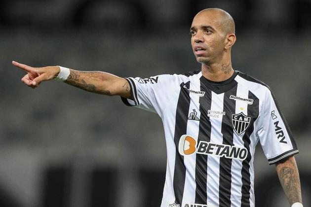 14º - Diego Tardelli: atacante – 36 anos – brasileiro – Último clube: Atlético-MG - Valor de mercado: 900 mil euros (cerca de R$ 5,45 milhões na cotação atual).