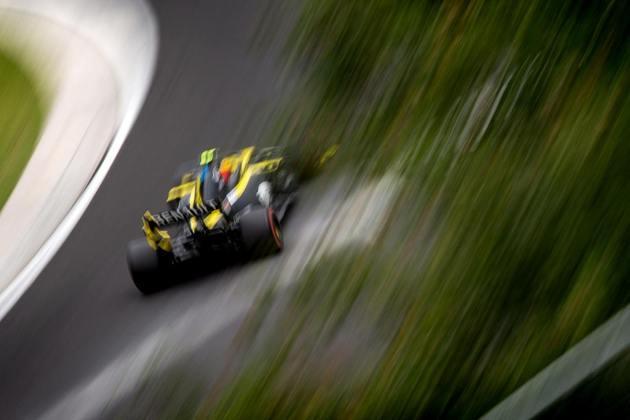 14) Esteban Ocon (Renault), 1min15s742