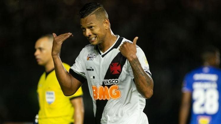 14 – Guarín, meia do Vasco, tem 2 milhões de seguidores no Instagram.