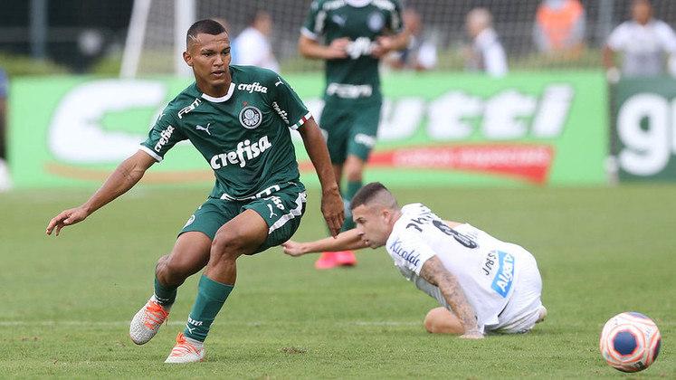 14º - Na última colocação, aqui em nossa lista equivalendo à 14ª posição, três nomes receberam apenas uma menção, portanto, somaram um ponto cada: Gabriel Veron (Palmeiras), na foto, Sabino (Coritiba) e Savarino (Atlético-MG).