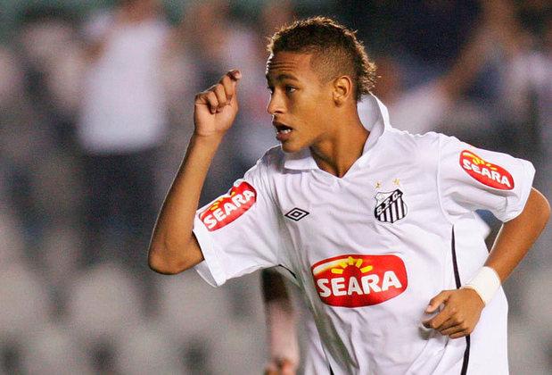 Neymar -Santos para o Barcelona em 2013 - € 86.2 milhões - o atacante brasileiro ainda aparece como o mais caro desta lista, quando saiu do Barcelona e foi para o Paris Saint-Germain por € 222 milhões