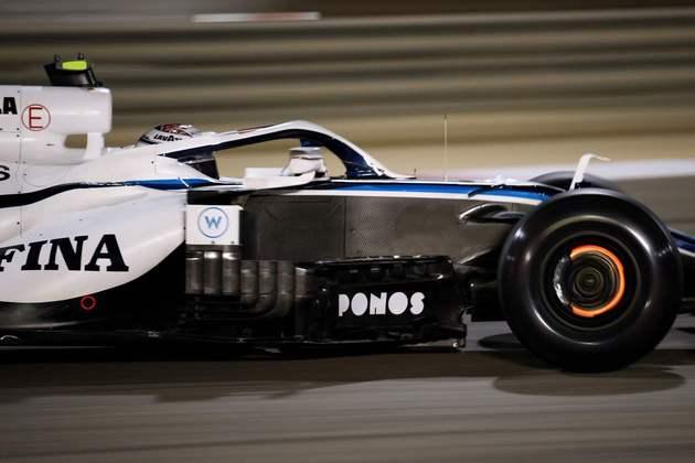 14º - Nicholas Latifi (Williams) - 4.42: Fez bastante para quem largou de último.