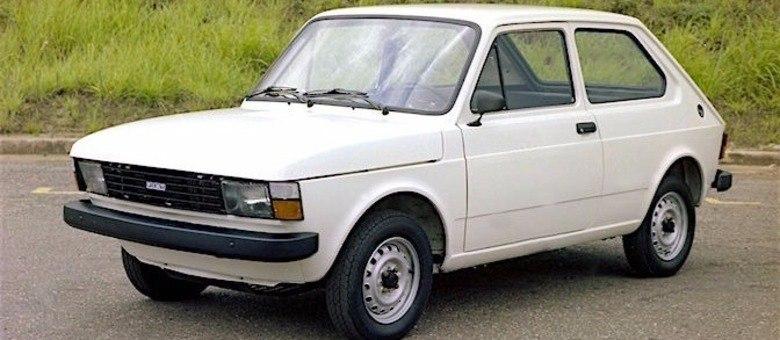"""Fiat 147 """"Europa"""" era a reestilização apresentada em 1980 3,5 anos após seu lançamento"""