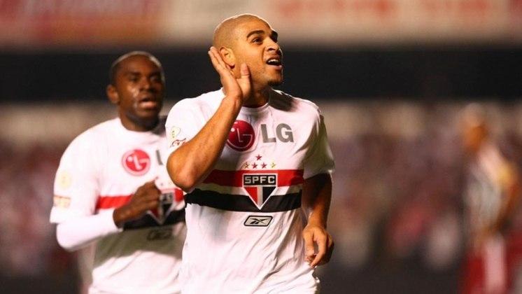 15) Adriano - representou o São Paulo em 4 jogos da Seleção Brasileira neste século, todos no ano de 2008, quando esteve emprestado ao clube.