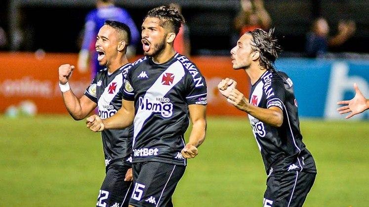 15º colocado – Vasco (32 pontos/29 jogos): 0% de chances de ser campeão; 0.003% de chances de Libertadores (G6); 22% de chances de rebaixamento.