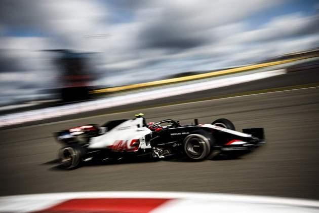 15º - Kevin Magnussen (Haas) - 1min27s125