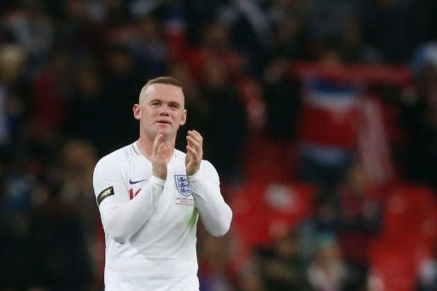 15 – Rooney: hoje no Derby County, o atacante é ídolo no Everton e no Manchester United, clube com o qual venceu uma série de títulos. Também tem história na seleção inglesa