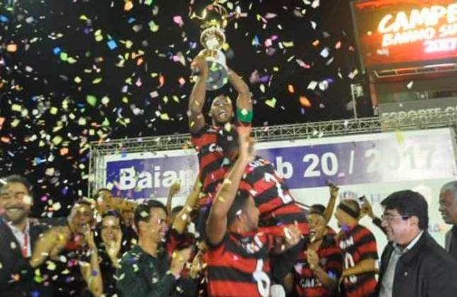 15° - Vitória (1,50 milhão de torcedores) - Três títulos: Três estaduais (2013, 2016 e 2017).