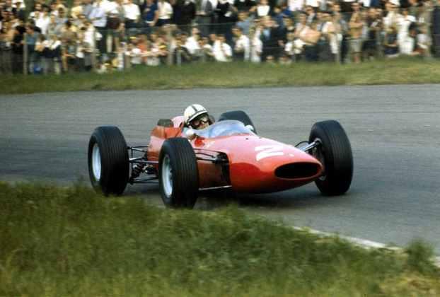 16 - Campeão mundial de 1964, John Surtees também venceu 4 vezes