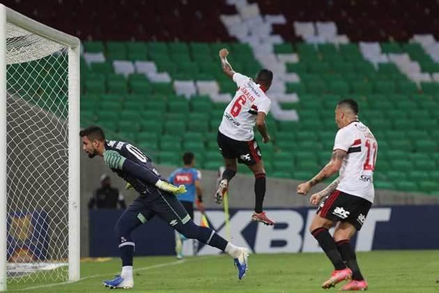 16° colocado - SÃO PAULO (22 pontos) - 19 jogos - Título: 0,044% - G6: 9,9% - Rebaixamento: 18,8%.