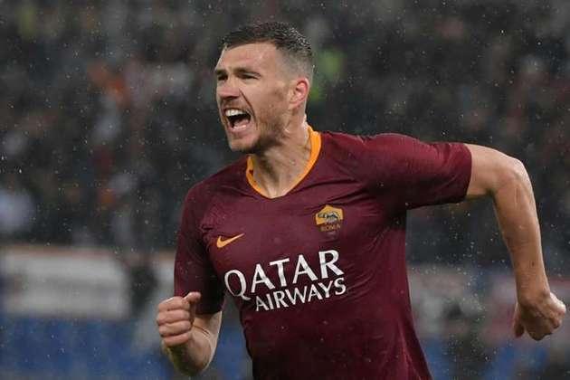 16º - Dzeko - 34 anos - bósnio - 347 gols em 758 jogos - Clube atual: Roma-ITA