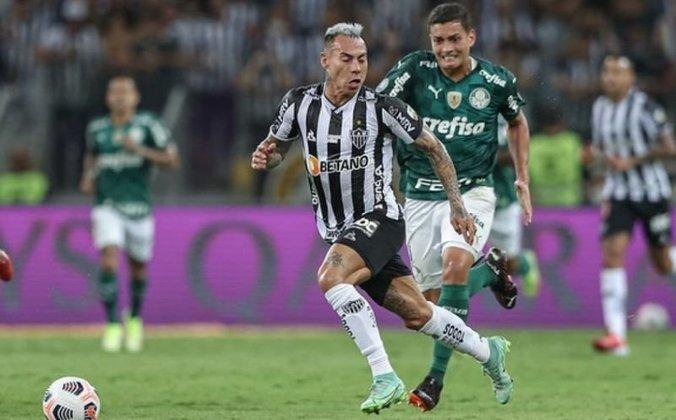 16° - Eduardo Vargas (31 anos): Atacante - Valor de mercado: 3 milhões de euros (R$ 19,1 milhões) - Contrato até dezembro de 2022.