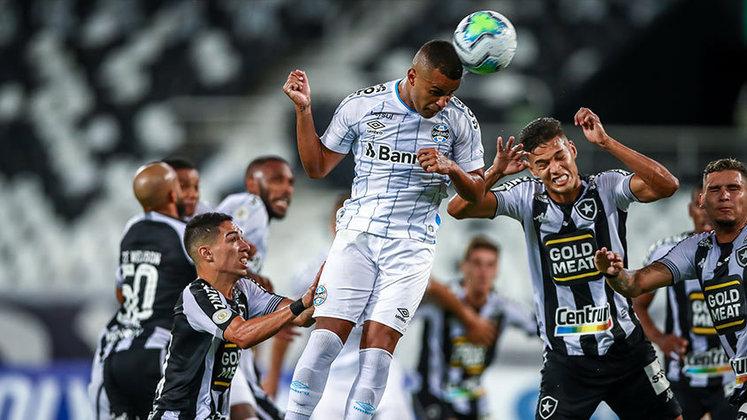 16º lugar: Grêmio (45.843 reações de amor - 42.424 reações de raiva = 3.419 de felicidade líquida)