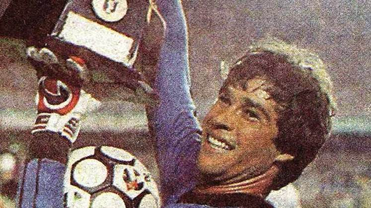 16 - Paulo Victor (1981 - 1988) - 360 jogos com a camisa do Fluminense.