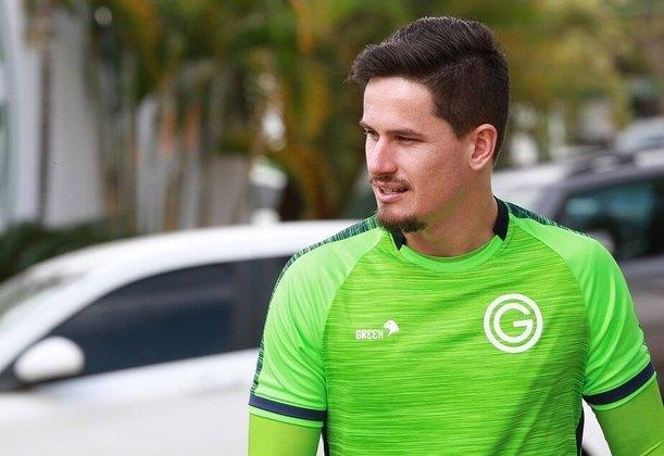 16º - Tadeu - Time: Goiás - Posição: Goleiro - Idade: 29 anos - Valor segundo o Transfermarkt: 1,2 milhão de euros (aproximadamente R$ 7,42 milhões)